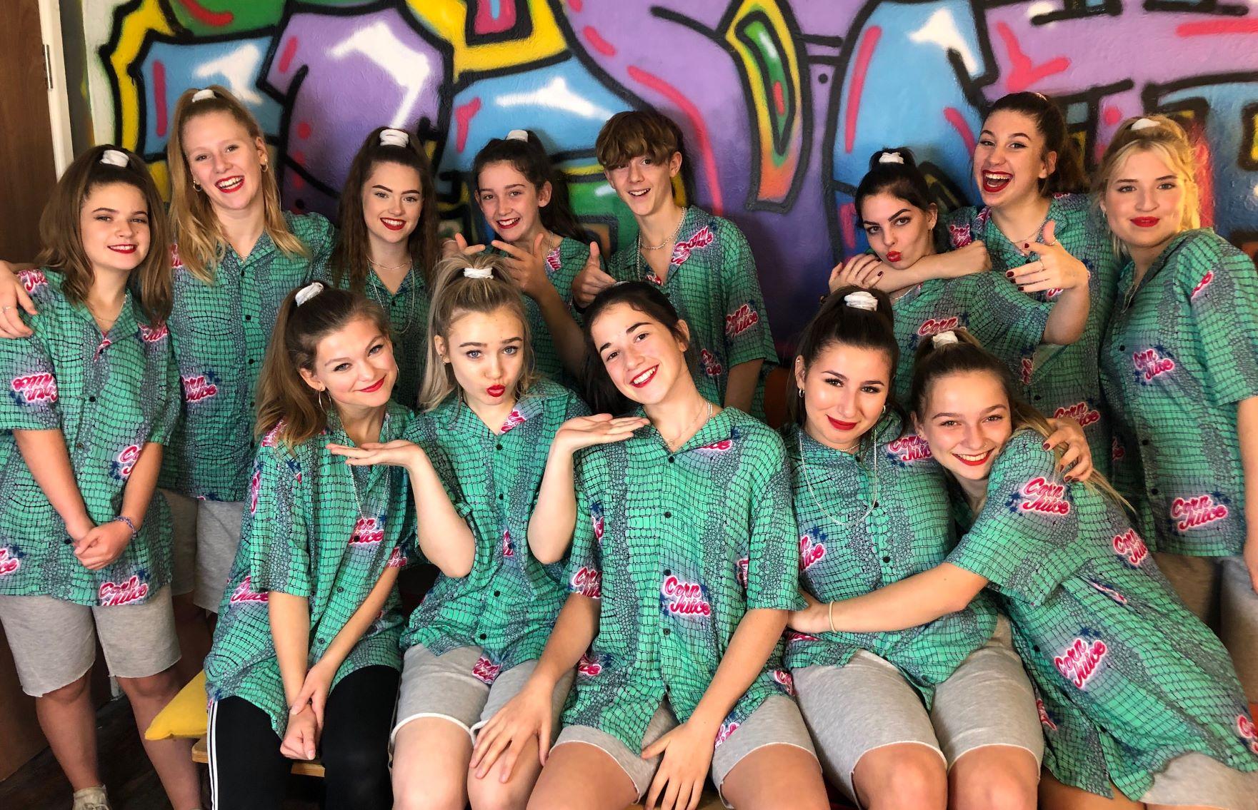 Gravity dancers